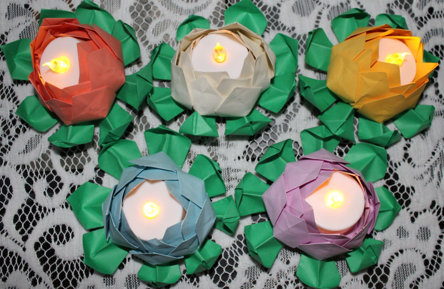 100 origami lotus blossoms for use with led by