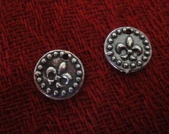 925 sterling silver oxidized fleur de lis charm 1 pc.