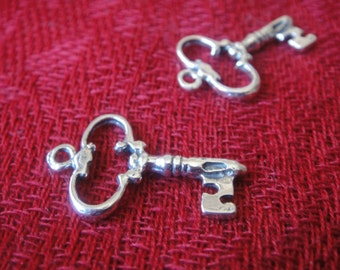 925 sterling silver oxidized KEY charm or pendant 1 pc.