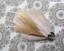 CIRQUE Ivory and Beige Mini Peacock Feather Hair Clip, Feather Fascinator