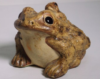 Japanese Shigaraki  double toad sculpture A superb vintage hand crafted Japanese Shigaraki stoneware double toad sculpture Japanese figurine