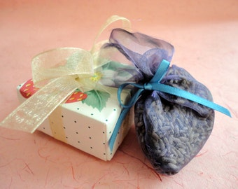 Small Lavender Sachet in Origami Box, set of 6