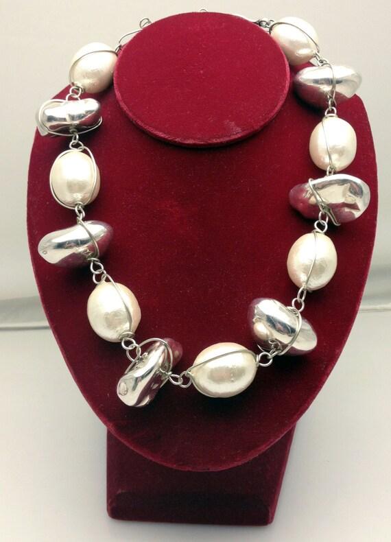 abra couture bijoux moderne cottonball necklace sterling. Black Bedroom Furniture Sets. Home Design Ideas
