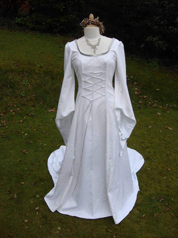 White galadriel arwen lotr renaissance medieval pagan celtic for Blue irish wedding dress