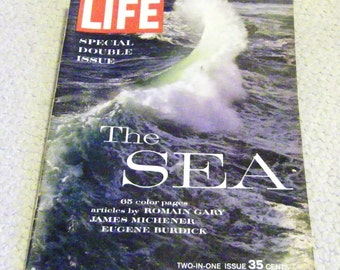 Vintage Double Issue LIFE Magazine of THE SEA  December 1962