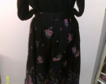 Womens Pendleton Full Country Skirt, size 12 - 14, Rayon Summer Skirt Floral Skirts 14, Pendleton Skirts 14, Black Skirts 14, Womans Size 14