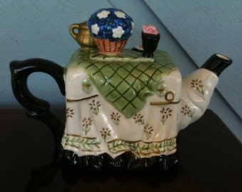 vintage collectible teapot duo by Houston Harvest