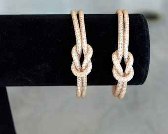 Pearlesque Golden AB Capture Love Knot Bracelet