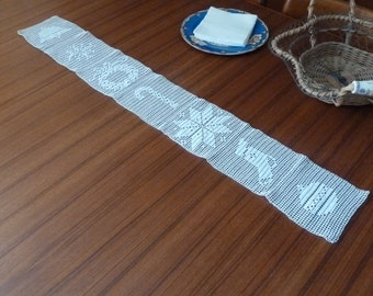 Christmas White Lace Table Runner