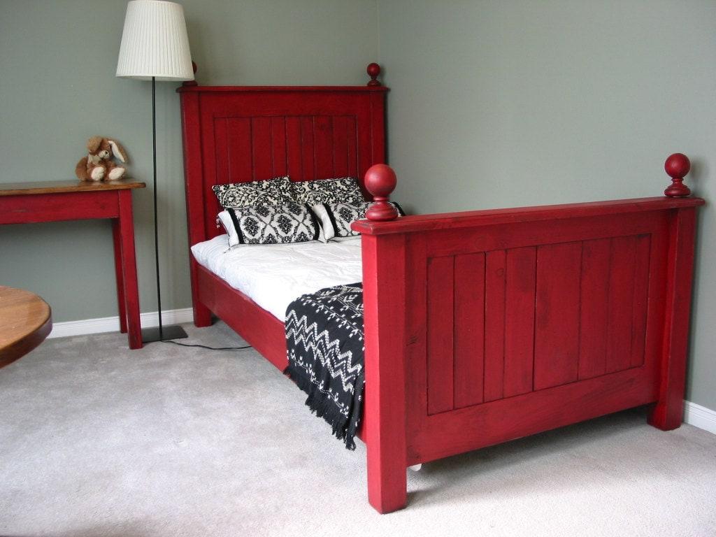 twin size bed cottage chic bed rustic bedroom set bead. Black Bedroom Furniture Sets. Home Design Ideas