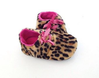 18-24 Months Slippers / Baby Shoes Lamb Leather leopard pink