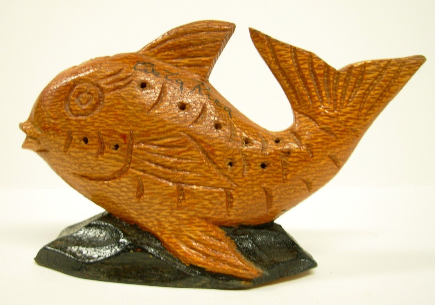 Folk art carved fish wood tropical costa rica souvenir