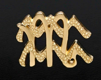 67 Scorpio and Aquarius Gold Unity Pendant