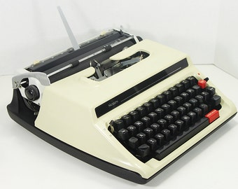 Vintage Sears Manual 1 Portable Manual Typewriter with Plastic Cover