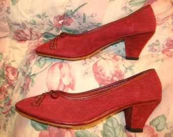 RED Suede Shoes Kitten Heels NEW Vtg.1980's 8M  20% Off Sale/Clearance