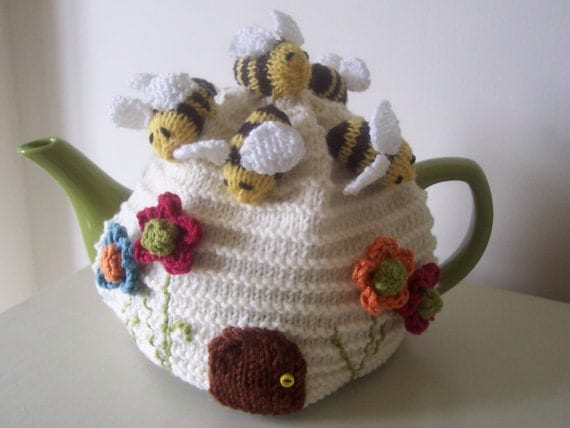 "Knitting Pattern for ""Busy Bees"" Tea Cosy"