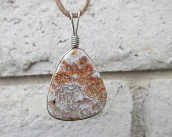 Crazy Lace Pendant