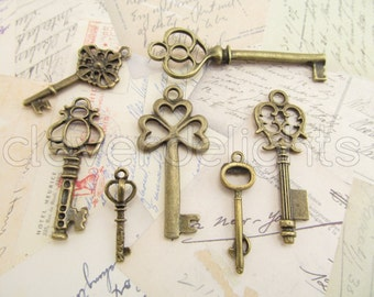 100 Antique Style Skeleton Keys - Antiqued Finish - 15 Sets of 7 Keys - Vintage Style Key Set - Pendant and Charms Lot - Over 100 Pieces