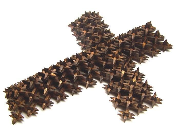 beautiful handmade tramp art crown of thorns crosscrucifix