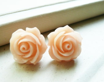 Stud Earrings, Vintage Retro pale peach/pink resin flower earrings No. E154