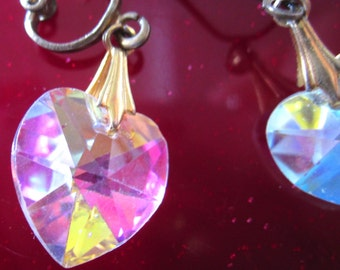 Vintage Crystal Heart earrings,short dangles,sparkling in the light,costume jewelry