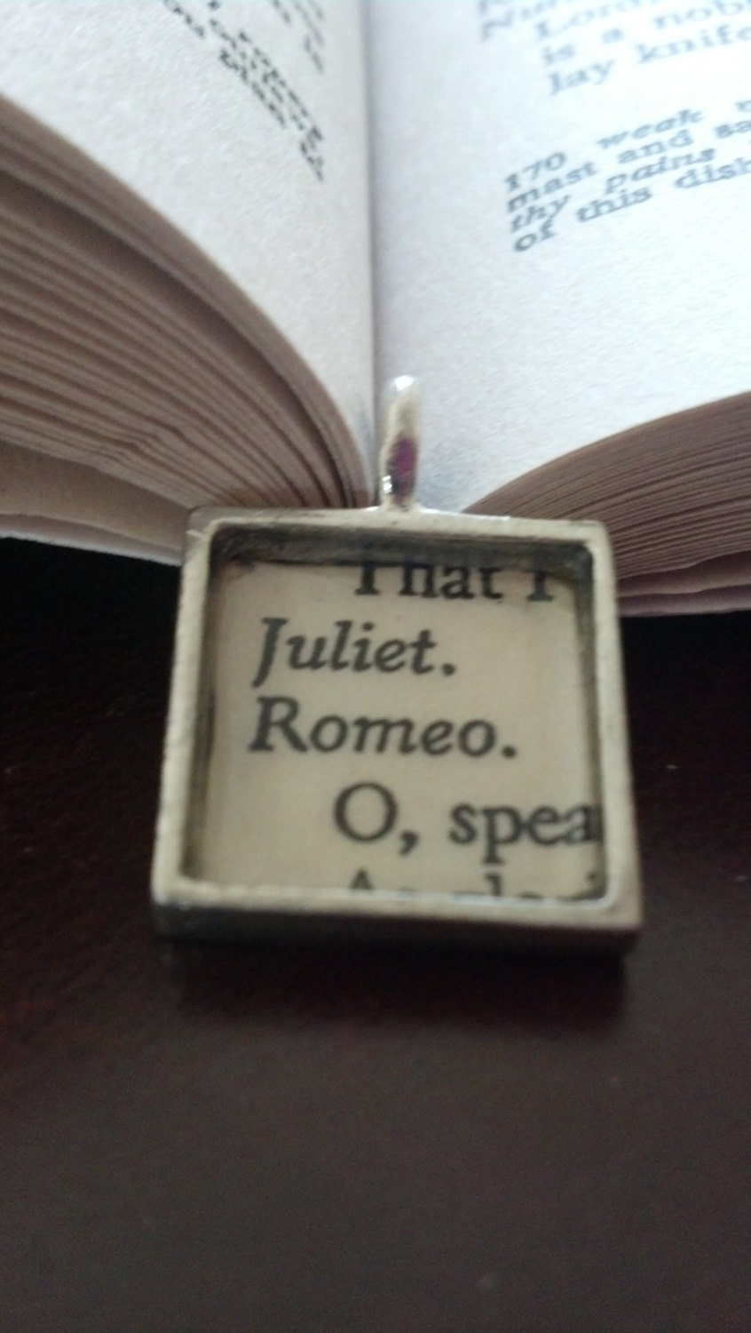 lets talk about love in william shakespeares romeo and juliet William shakespeare was a wonder with words  as we know romeo and juliet's love does indeed end in tragedy  what, drawn, and talk of peace.