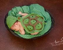 Newborn Turtle Cape Set