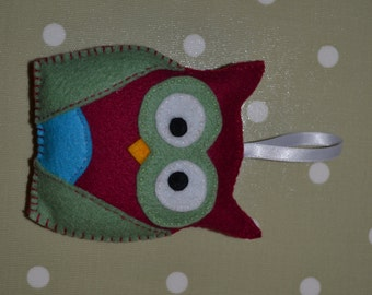 Cute handmade owls, cranberry, green and turquoise