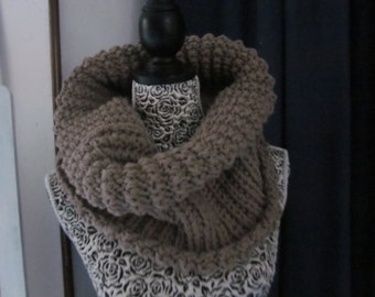 Hand Knit Cowl Scarf, Neck Warmer, Tube Scarf, Beige Acrylic, Winter Fashion, Winter Accessories