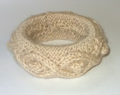 Hand Knitted Cream Wool Bracelet - Delacroux
