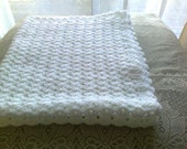 PDF crochet pattern to make baby shawl or blanket. size is 33''x27'' when complete.PDF item
