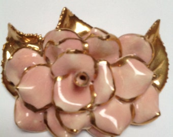 VNTG Pink and Gold Porcelain Floral Brooch