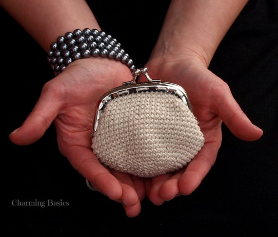 Crochet Coin Purse-Bridesmaid Gift (Kiss clasp coin purse)