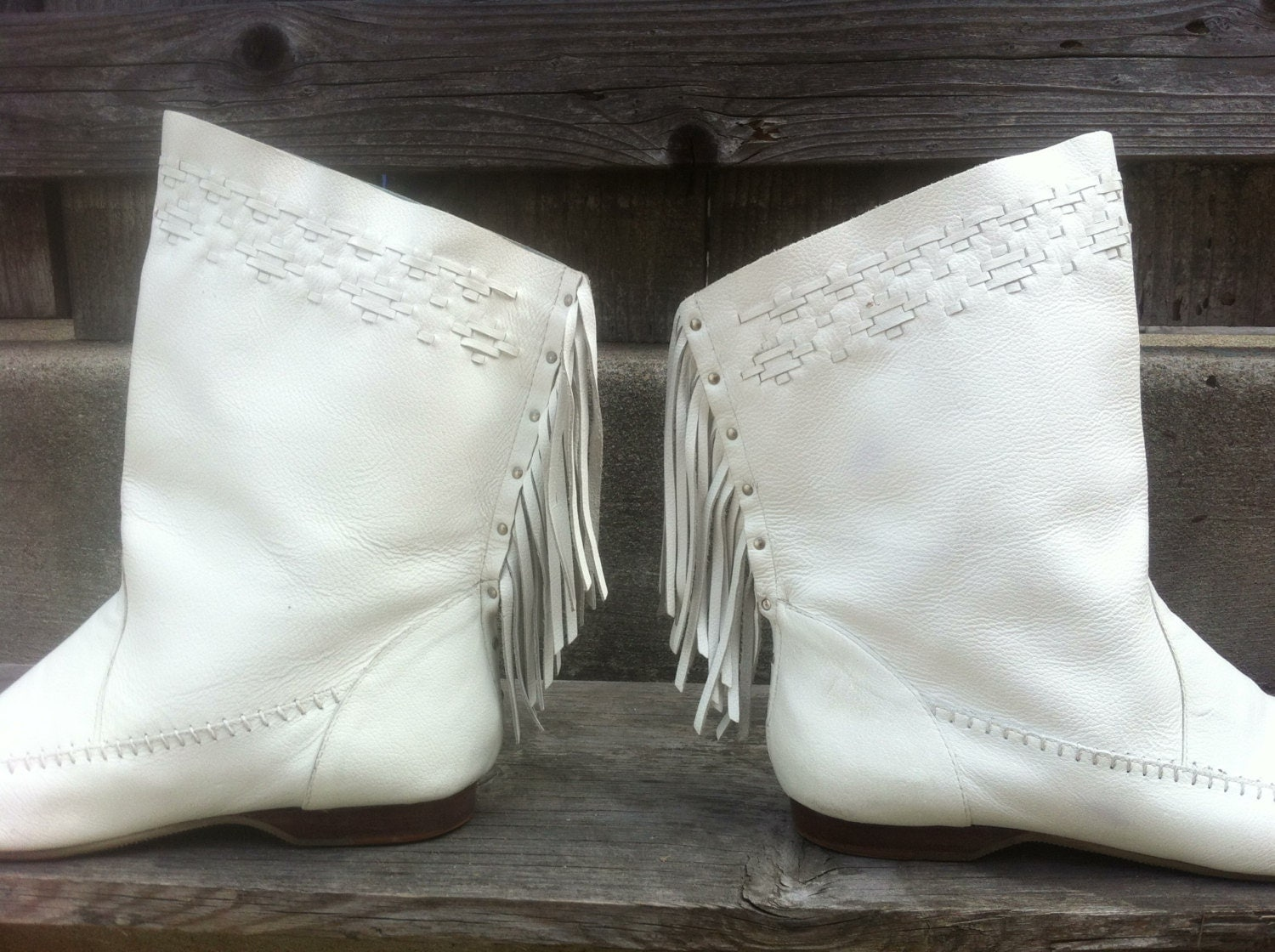 White Leather Moccasin Boots With Fringe 10m
