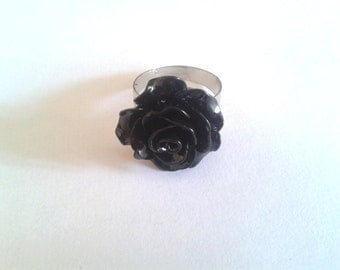 Black cabochon ring - adjustable to your finger
