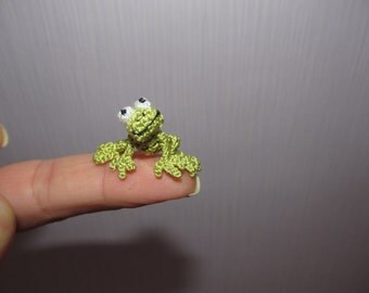 Miniature frog mini crochet frog small green frog miniature froggy dollhouse frog collectible animal doll house toy tiny frog mini amigurumi