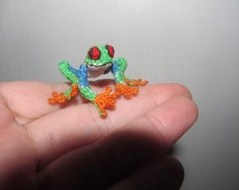 DollHouse Miniatures animals Tree Frog, Crochet Amigurumi miniature toys, Mini terrarium animals handmade micro realistic animals, nature,