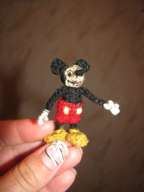 Mickey Mouse En Amigurumi : Miniature amigurumi mickey mouse crochet mickey mouse