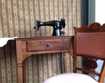 Popular items for sewing machine table on etsy for Machine a coudre 1950