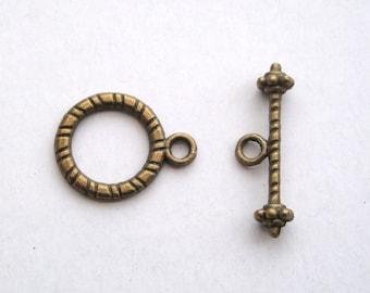 Antique bronze toggle clasp ribbed design 10 sets TG007