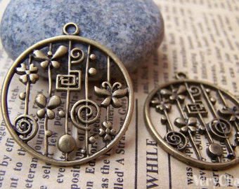 10 pcs of Antique Bronze Filigree Butterfly Round Ring Charms Pendants  28mm A327