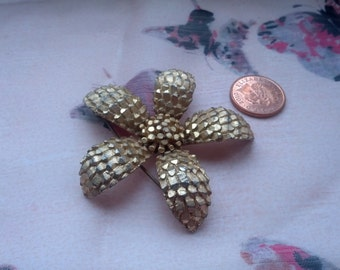 Goldtone Five Petal Flower Brooch