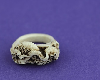 Cthulhu octopus tentacle resin ring bone gothic jewellery jewelry intricate design from the depths of the ocean   Medium