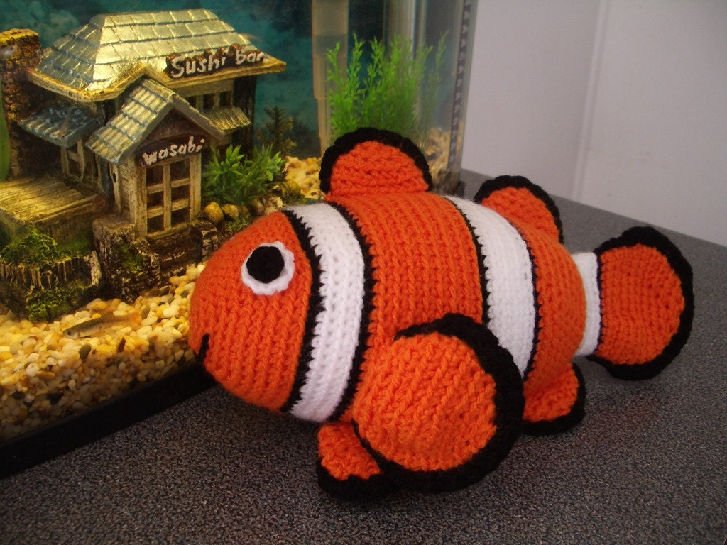 Amigurumi Sailor Octopus Pattern Free : Amigurumi Crochet Pattern Clownfish Pattern by PawPawsStudio