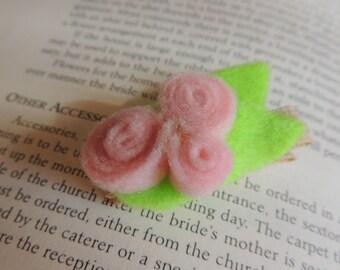 sweet little pink flower clippie