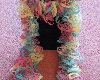 Starbella Cheers Knitted Ruffle Scarf