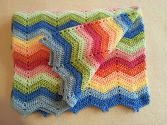 vente tapis au crochet zigzag rainbow. Black Bedroom Furniture Sets. Home Design Ideas