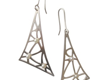 Netted drop earrings with pearl details
