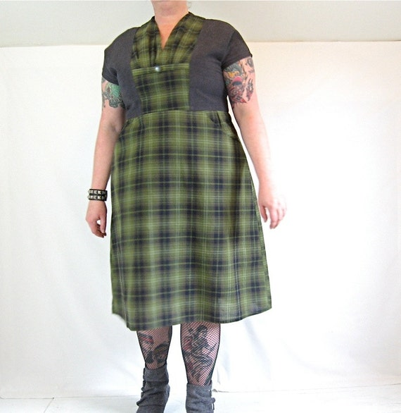 Slimuette Dress - plus size - green plaid and charcoal grey vintage fabrics - 46B-41W-52H