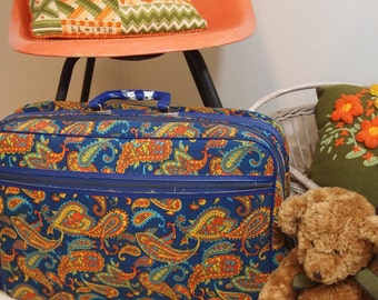 Free Shipping Vintage Retro Paisley Bantam Travelware child's Suitcase Ready for a trip to Grandma's Blue orange 70's